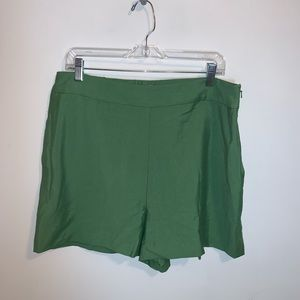 Leith L Green Willow Side Zip Shorts